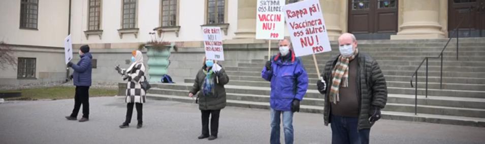 COVID-Vaccination_demonstrators-PRO-image2