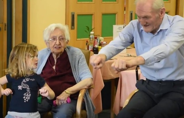 Intergenerational_care_home_UK