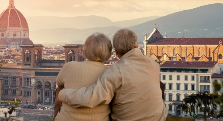 Older tourist couple - Travelability picture